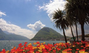 Góra San Salvatore i jezioro w Lugano.