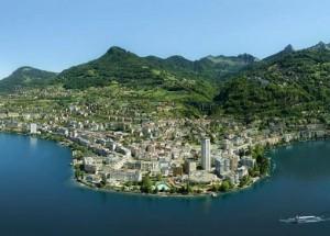 Panorama Montreux nad Jeziorem Genewskim.