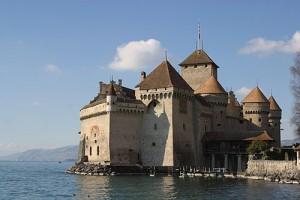 Zamek Chillon na Jeziorze Genewskim.