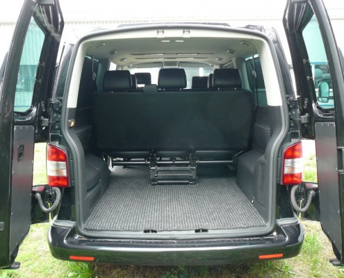 Bus VW T5 Caravelle (long version), boot.