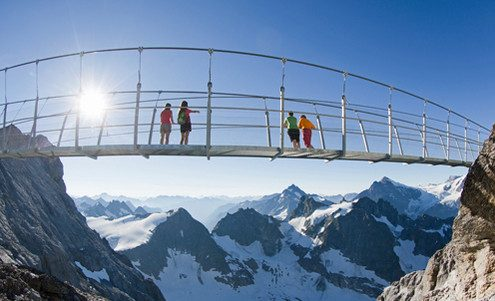 Titlis Cliff Walk bridge.