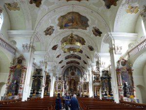 Wnętrze kościoła klasztornego w Engelbergu.