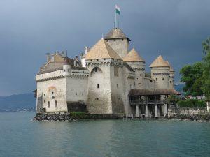 Zamek Chillon nad Jeziorem Genewskim.